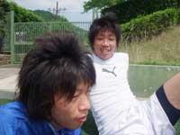 試合前談笑する牧野(右)と細田(左)